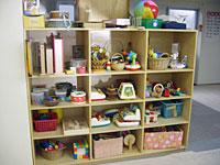 発達段階に合わせて色々なおもちゃが揃えてある。