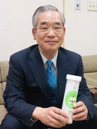 「救急医療情報キット」の普及に取り組む上池上自治会(大田区)の海老沢会長