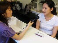 起業した岩瀬さんに中村キャスターがインタビュー