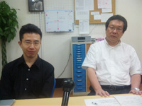 インタビューに答える平久江さん(右)、中下さん(左)