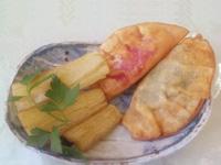 ケールやビーツを使った揚げ餃子に、マンジョカ(芋)のフライドポテト風