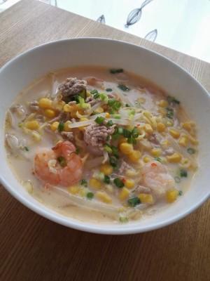 豆乳ピリ辛白濁麺