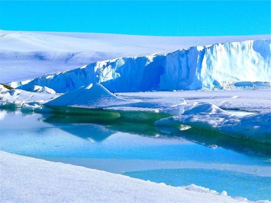icebergs-429139_960_720
