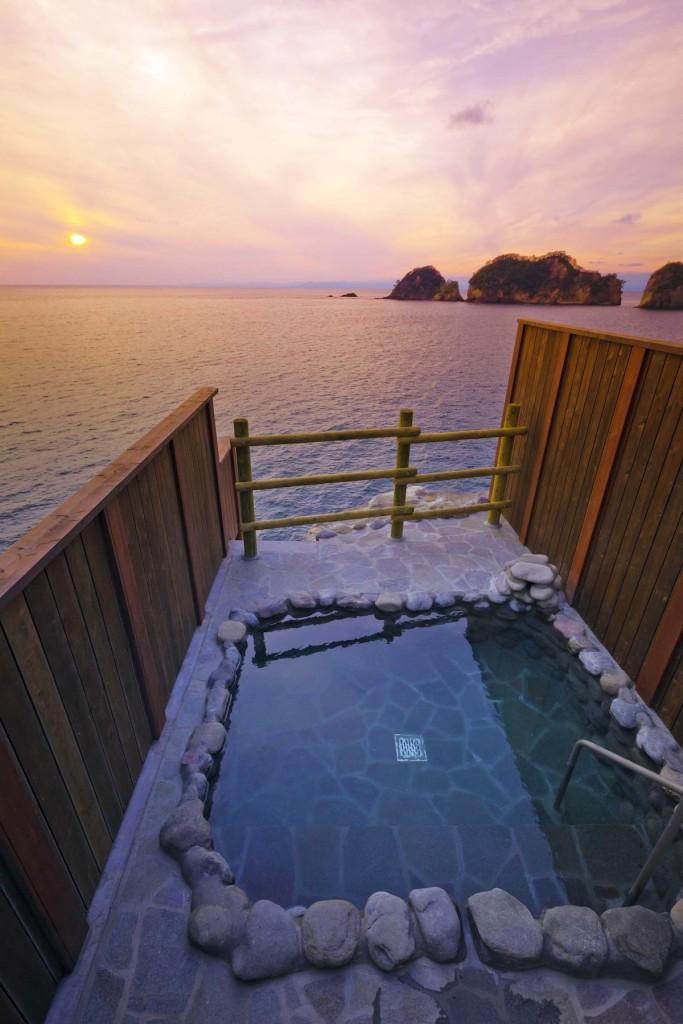 美しい夕日を眺めながら湯あみが楽しめる沢田公園露天風呂