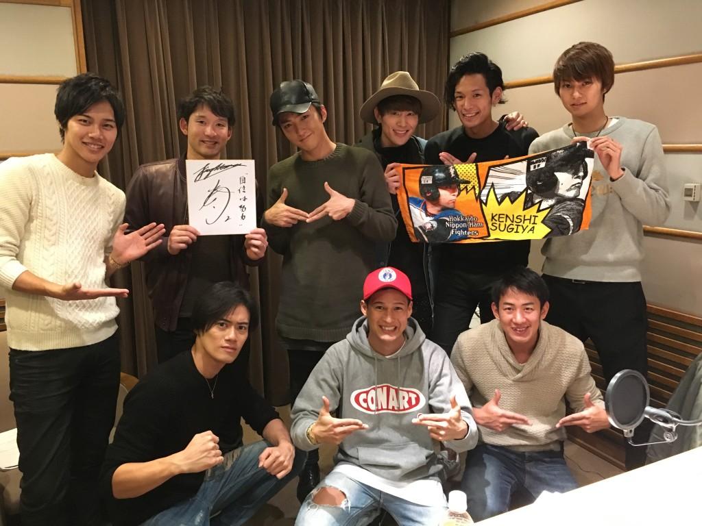 北海道日本ハムファイターズの杉谷拳士選手(上段右から2番目)が登場!