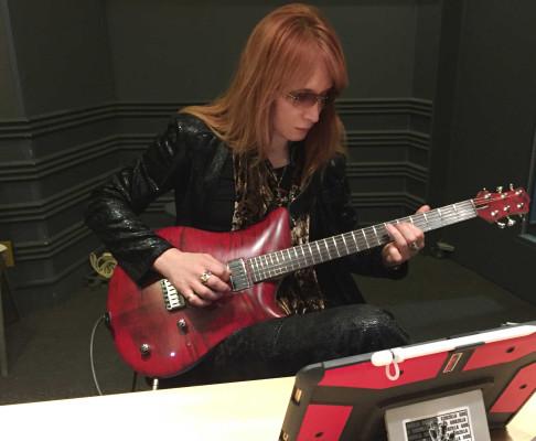 高見沢スタジオギター