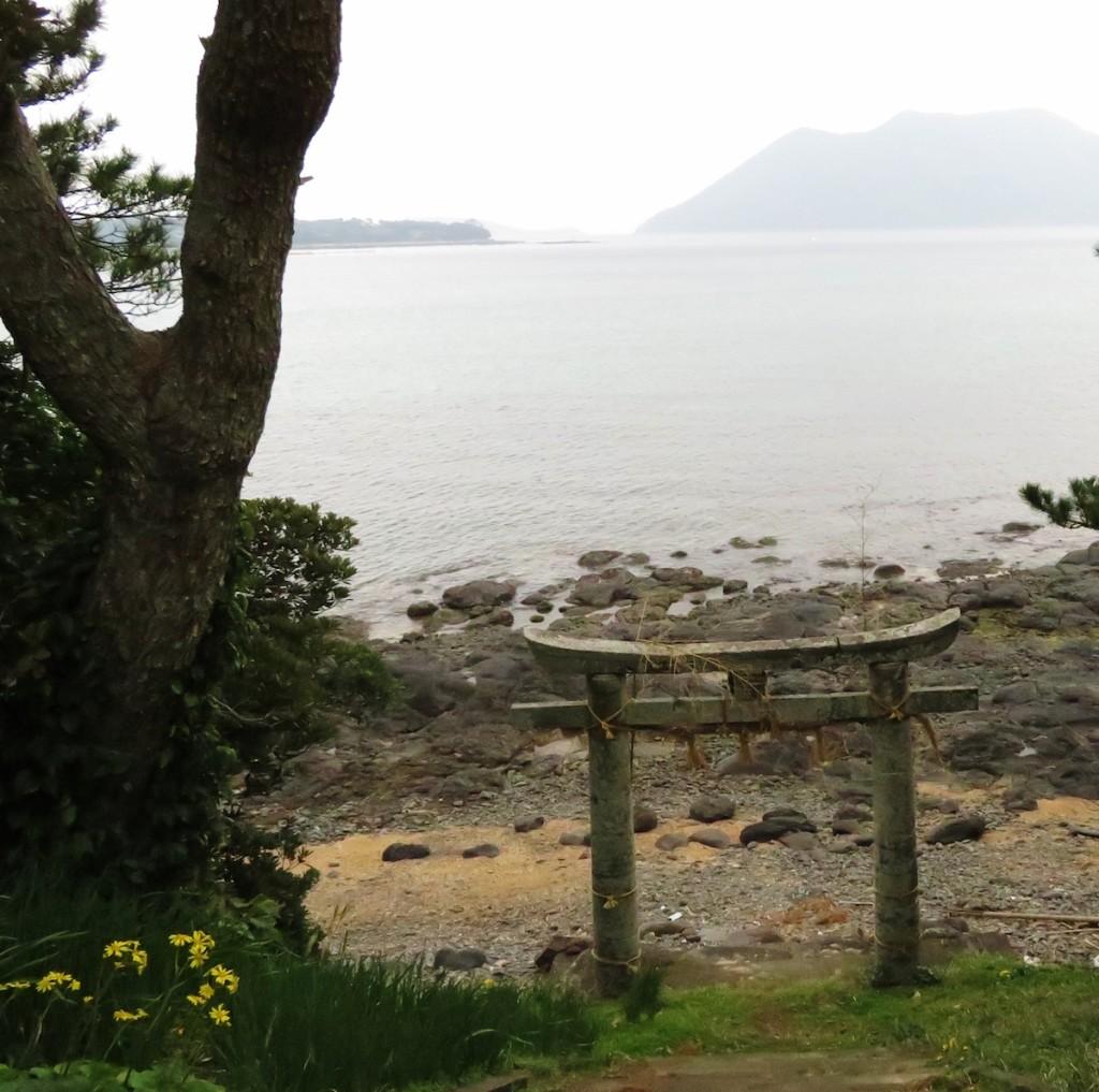 奈良時代に創建されたと伝えられる地ノ神島神社。遣唐使も航海の安全を祈願したという