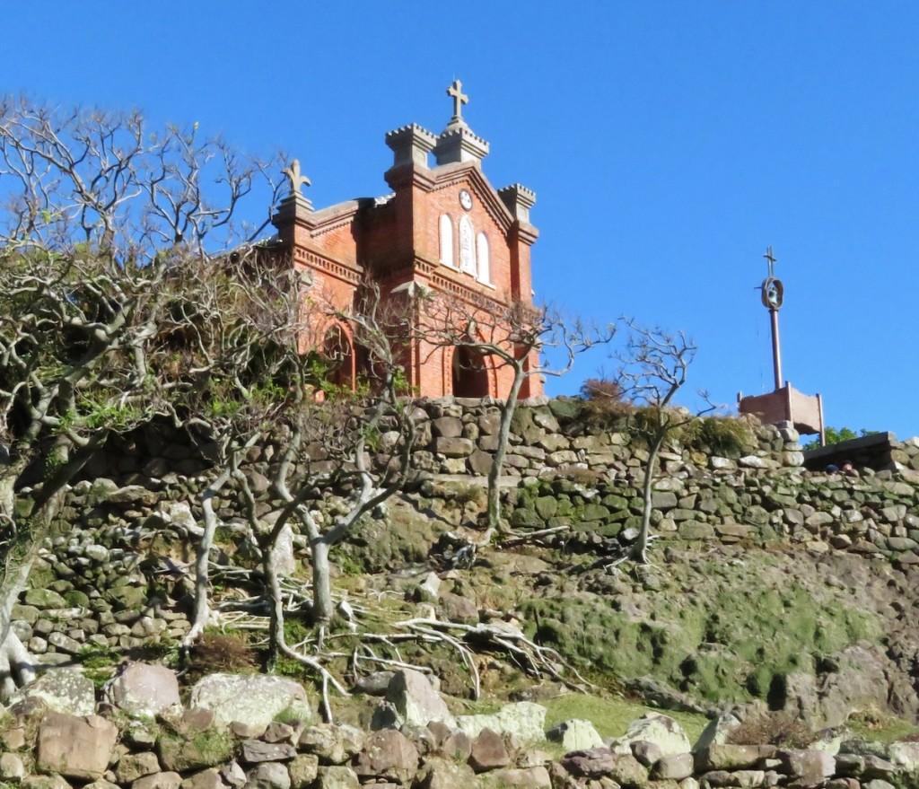 レンガ作りの旧野首教会。ここも世界文化遺産候補のひとつに挙げられている