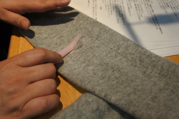 セーター の 毛 玉取り