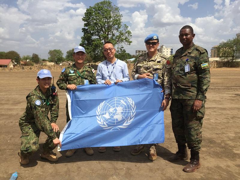放送中                                                        TBSラジオ FM90.5 + AM954                                                    放送中【音声配信】「南スーダンPKO、一時帰国する現役国連職員が生出演。現地の陸自隊長のインタビューも」(TBSラジオ「荻上チキ・Session-22」平日22時〜)                この記事の                番組情報            荻上チキ・ Session