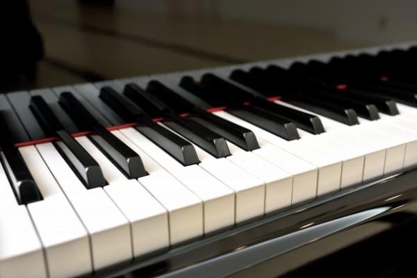 ピアノ DC