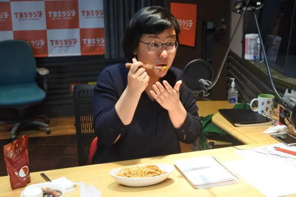 「給食のスパゲッティだ!懐かしい感じがして、美味しい〜!!」