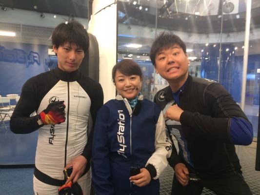 ▲石田さん(右)小林さん(左)とフライト前で緊張する私