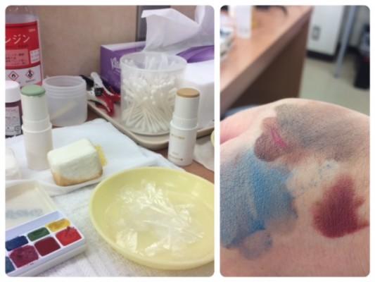 ▲この青や茶色を肌に塗ります。左はオブラート。